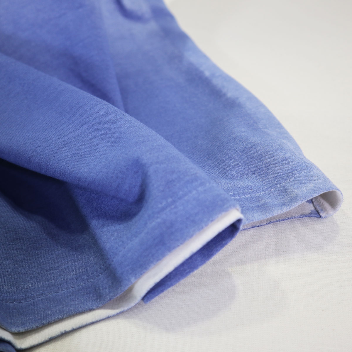 Danga Rodaballo model. Organic cotton hand dyed blue t-shit